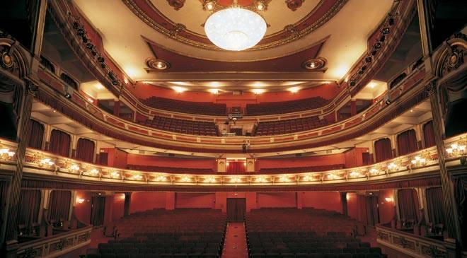 Conferences in teatro principal y red de teatros business for Teatro principal valencia