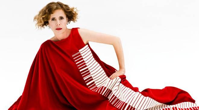 Gatha ruiz de la prada fashion biography and works at for Carrelage agatha ruiz dela prada