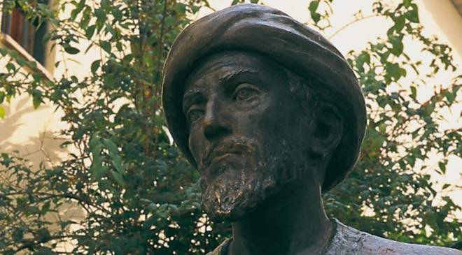 Detail of the sculpture of Maimonides in the city of Cordoba © Turespaña