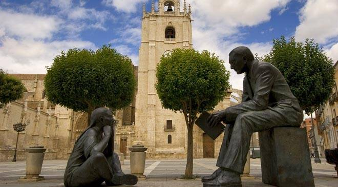 Cathedral, Plaza de la Inmaculada square, and monument to the Maestro. Palencia © Turespaña