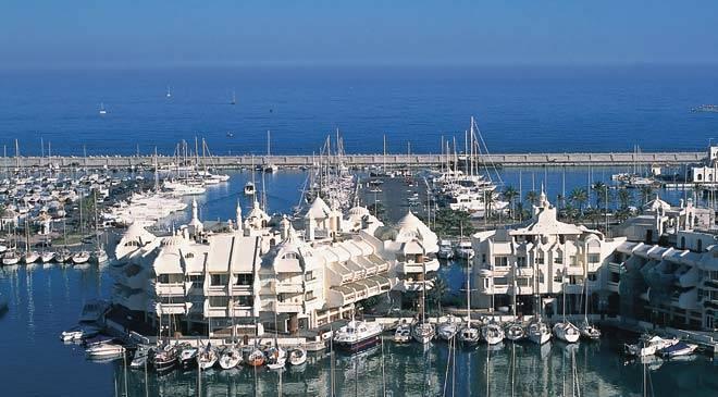Villes et villages de Malaga, Espagne: Benalmadena ...