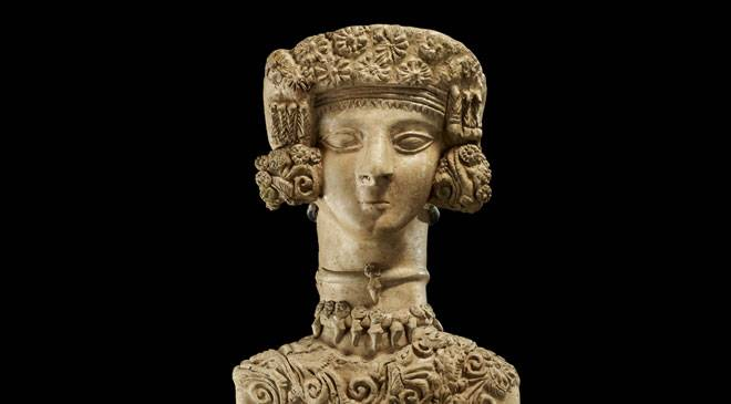Detail of the 'Lady of Ibiza', of Phoenician origin (National Archaeological Museum. Madrid) © Ministerio de Cultura