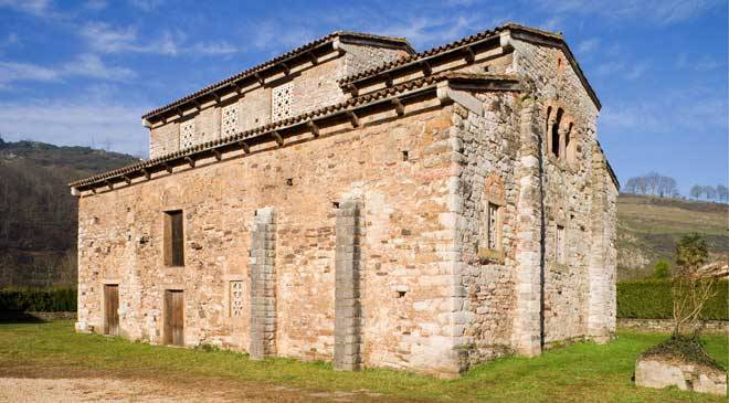 Church of San Pedro de Nora, Las Regueras © Asturias