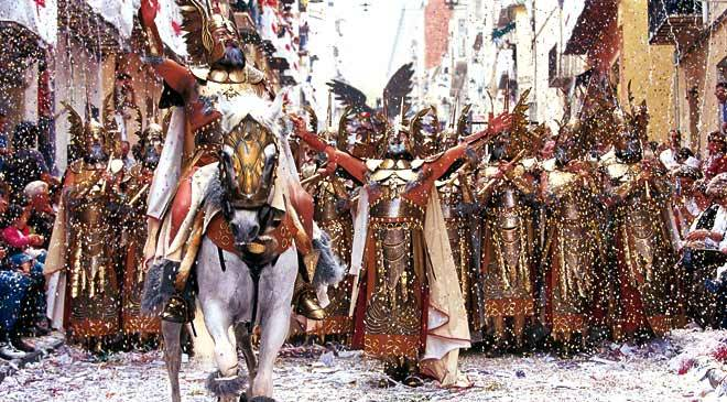 Moors and Christians parade in Alcoy, Alicante © Oficina de Turismo ...