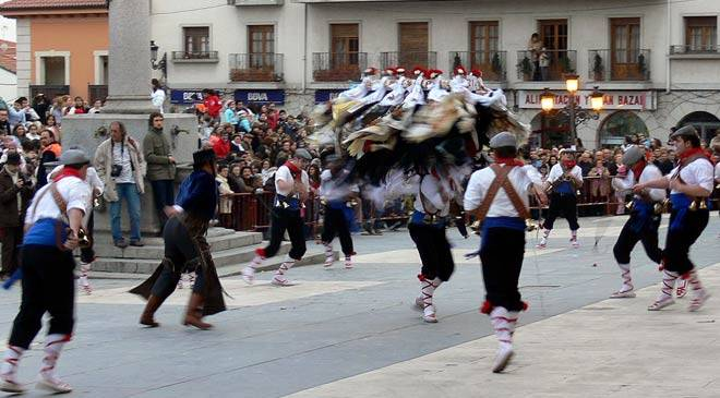Festival of the Vaquilla. Festivities and traditions in ...