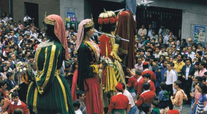 Parade of giants. Festival of La Patum in Berga. Barcelona © Turespaña