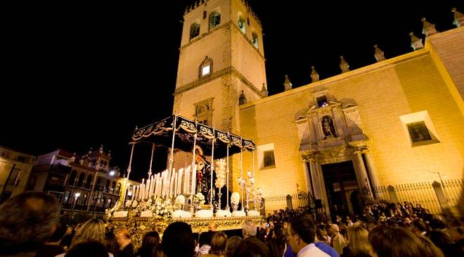 View of a procession during Easter week in Badajoz © Extremadura