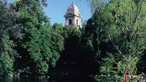 Campo Grande. Pond surrounded by plant life in the Valladolid park. Valladolid © Turespaña