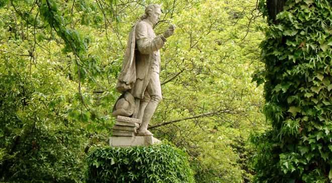 Statue of Cavanilles ©Real Jardín Botánico, CSIC