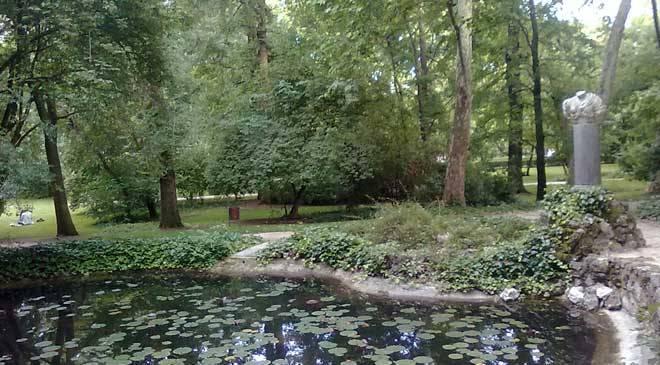 El capricho park in alameda de osuna gardens in madrid at for Jardines el capricho
