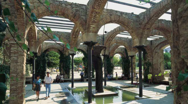 Parque del clot gardens in barcelona at spain is culture for Parques de barcelona