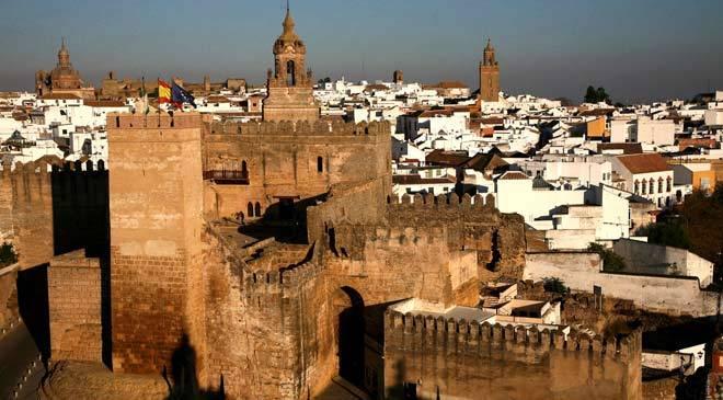 Seville gate monuments in carmona seville at spain is for Puerta de sevilla carmona