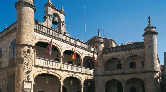 H tel de ville de ciudad rodrigo monuments ciudad for Oficina de turismo ciudad rodrigo