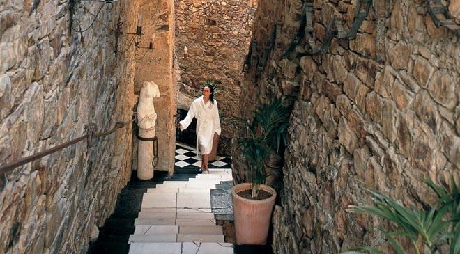 Baños Romanos En Bath:Alange Roman baths: monuments in Alange, Badajoz at Spain is culture