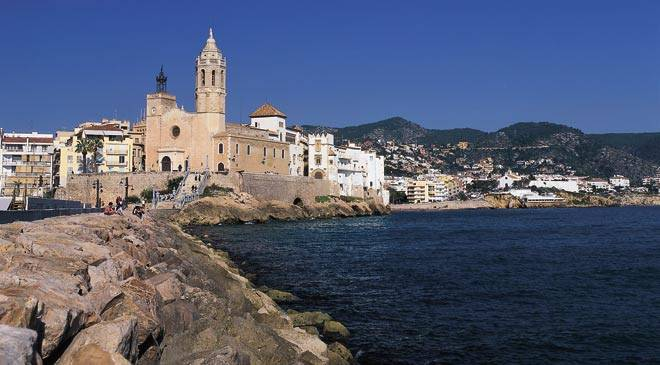 Sitges zonas de la villa monuments of spain - Casco antiguo de barcelona ...