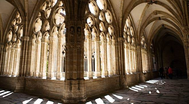Cloister in Oviedo cathedral.  Asturias © Turespaña