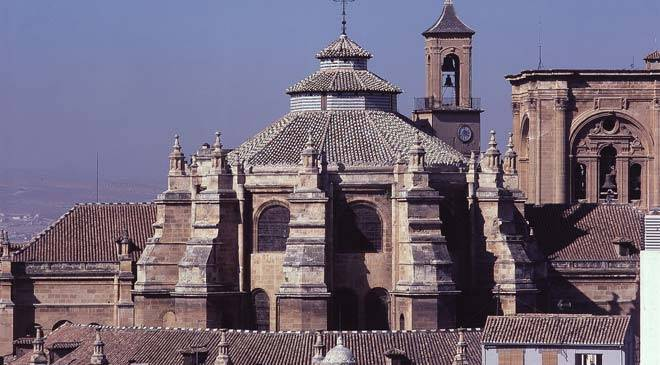 Partial view of Granada cathedral © Turespaña