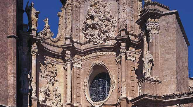 Detail of the façade of Valencia cathedral © Turespaña
