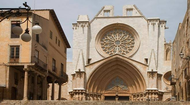 Partial view of Tarragona cathedral.