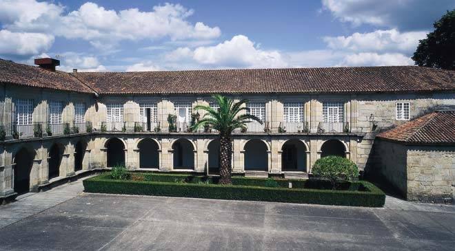 Partial view of the cloister in the convent of Santo Domingo © Turespaña