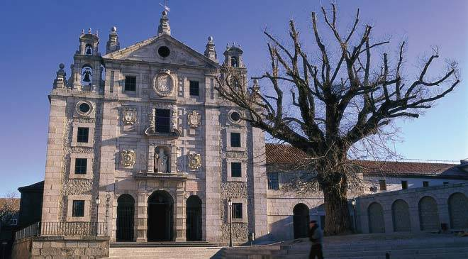View of the convent of Santa Teresa, birthplace of the saint. Avila © Turespaña