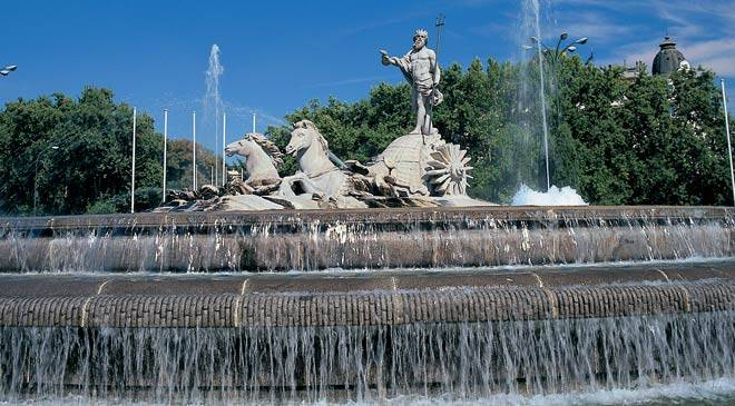 Neptune fountain. Madrid © Turespaña