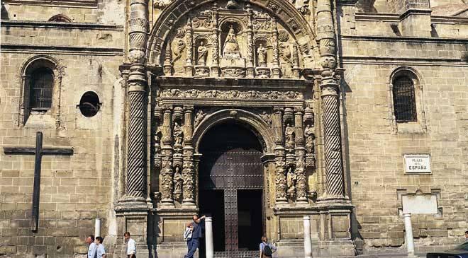 Great priory church and basilica of nuestra se ora de los milagros monuments in puerto de santa - Puerto santa maria cadiz ...