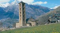 View of the church of San Clemente de Taüll and its bell tower. Boí valley © Turespaña