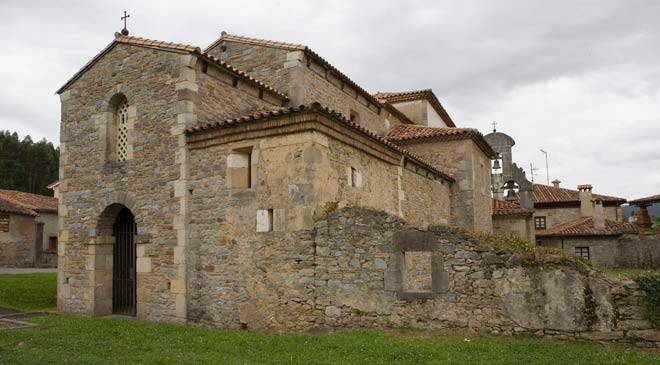 Church of Santianes de Pravia.  Asturias © Turespaña