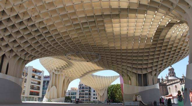 Metropol Parasol. The structure from the inside. Seville. © Turismo de Sevilla.