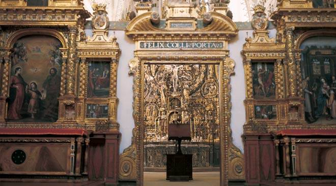 Altarpiece in the Cartuja de Miraflores monastery. Burgos © Turespaña