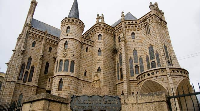 View of the Episcopal Palace. Astorga, León.