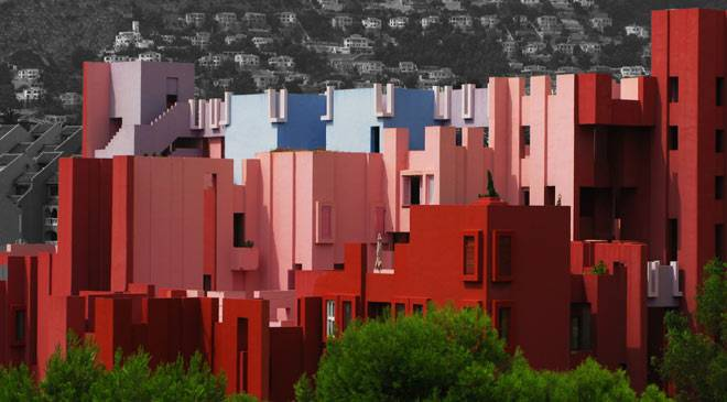 View of the Red Wall apartment complex in Calpe © Ayuntamiento de Calp
