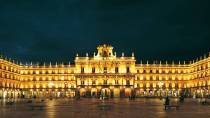 Salamanca's Plaza Mayor square illuminated © Turespaña