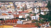 View of the city of San Cristóbal de la Laguna, with the cathedral in the background. Tenerife © Turespaña