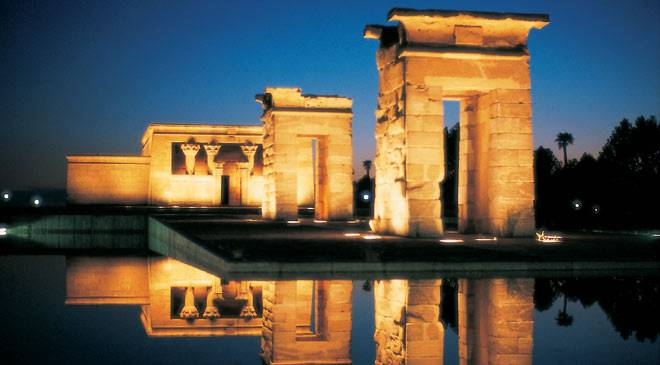 Debod Temple: monuments in Madrid at Spain is culture.