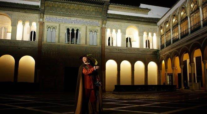 Dramatised visit to the Reales Alcázares palace in Seville © Turismo de Sevilla
