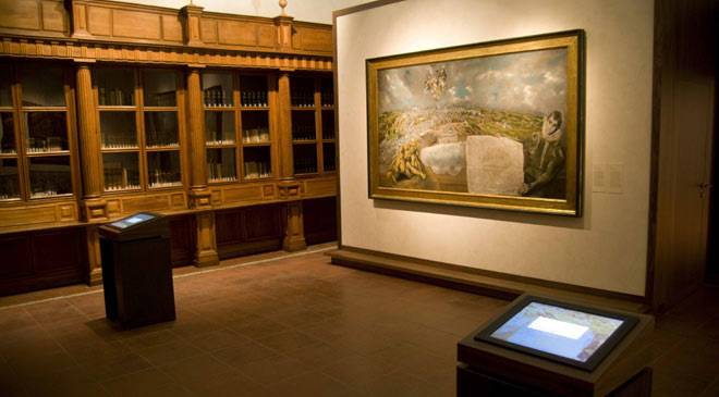 Interior of one of the rooms in El Greco Museum, dominated by 'View and Plan of Toledo' © Ministerio de Cultura
