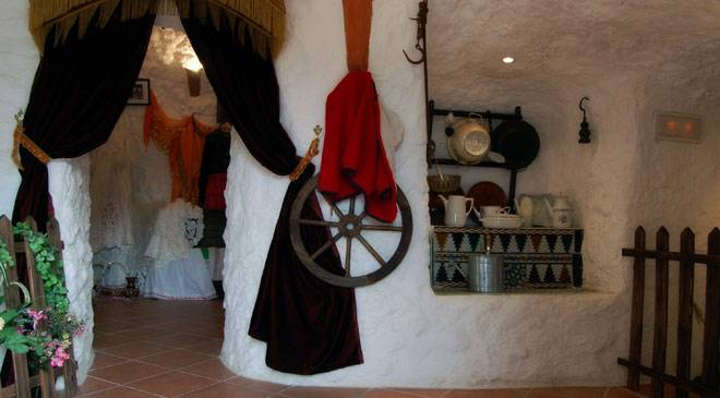 Room in the Gypsy Women's Ethnological Museum © Asociación de Mujeres Gitanas Romi