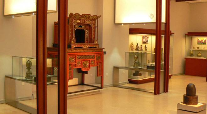 Interior of the National Anthropology Museum. Sala de Asia Room © Ministerio de Cultura