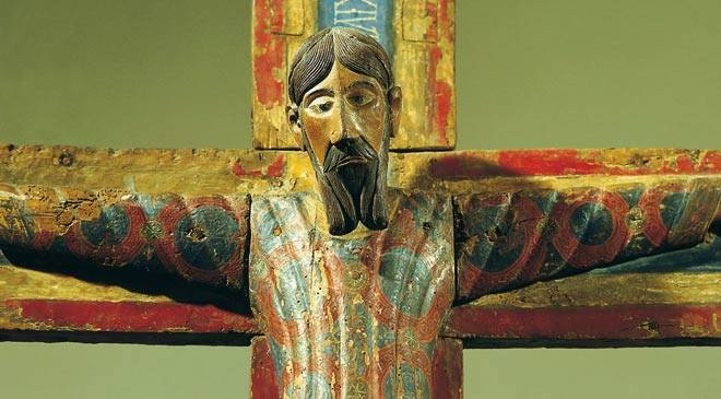 Wooden carved figure of the crucified Christ. National Art Museum of Catalonia ©Turespaña