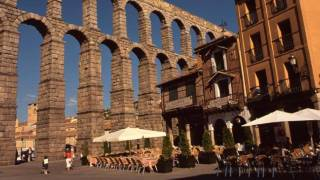 Partial view of the Roman aqueduct. Segovia © Turespaña