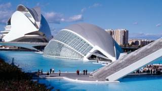 City of Arts and Sciences. View of the the Hemisferic and Reina Sofía Arts Centre, designed by Santiago Calatrava. Valencia © Turespaña