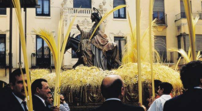 Palm Sunday procession in Elche © Turespaña