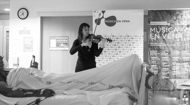 Recital by Viktoria Mullova at the Hospital Puerta de Hierro. Concert series in hospitals by Música en Vena and CNDM © Música en Vena - Ignacio García Castelló