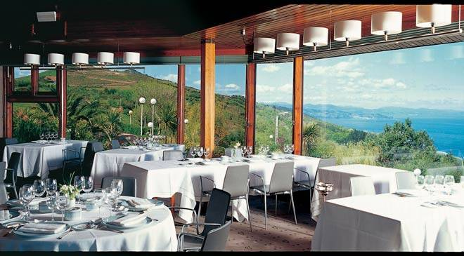 Dining room in the Akelarre restaurant © Restaurante Akelarre