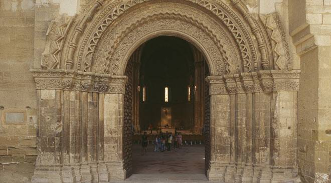 Entry to the cloister at La Seu Vella cathedral in Lerida © Turespaña
