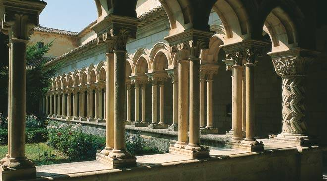 Cloister in the Monastery of San Andrés del Arroyo © Turespaña