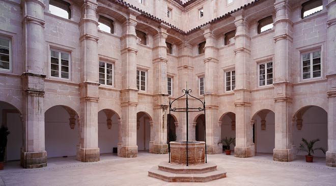 View of the cloister at the Menorca Museum, Maó © Ministerio de Cultura y Deporte.