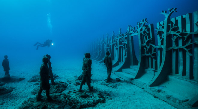 'Crossing the Rubicon' Sculpture, Jason deCaires Taylor. Lanzarote Atlantic Museum © CACT Lanzarote